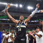 Янис връчи титлата на Милуоки в НБА