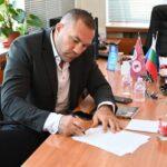 """Кобрата ще учи """"Политика и бизнес"""" в УНСС"""